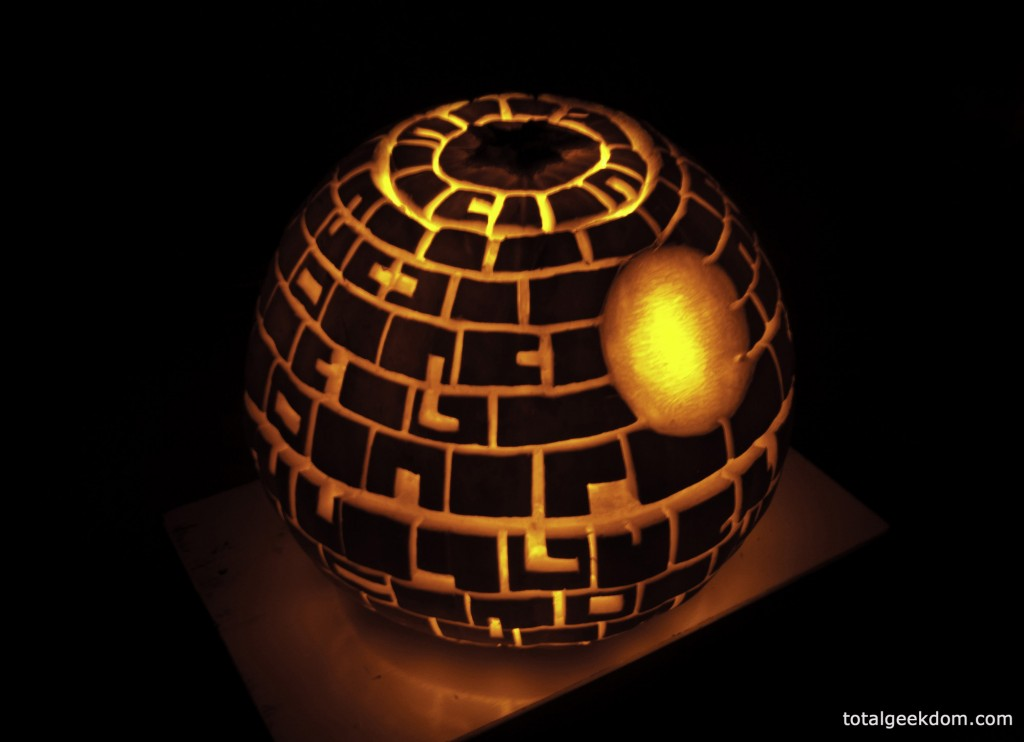 Star wars death pumpkin carving with cfl powered bulb