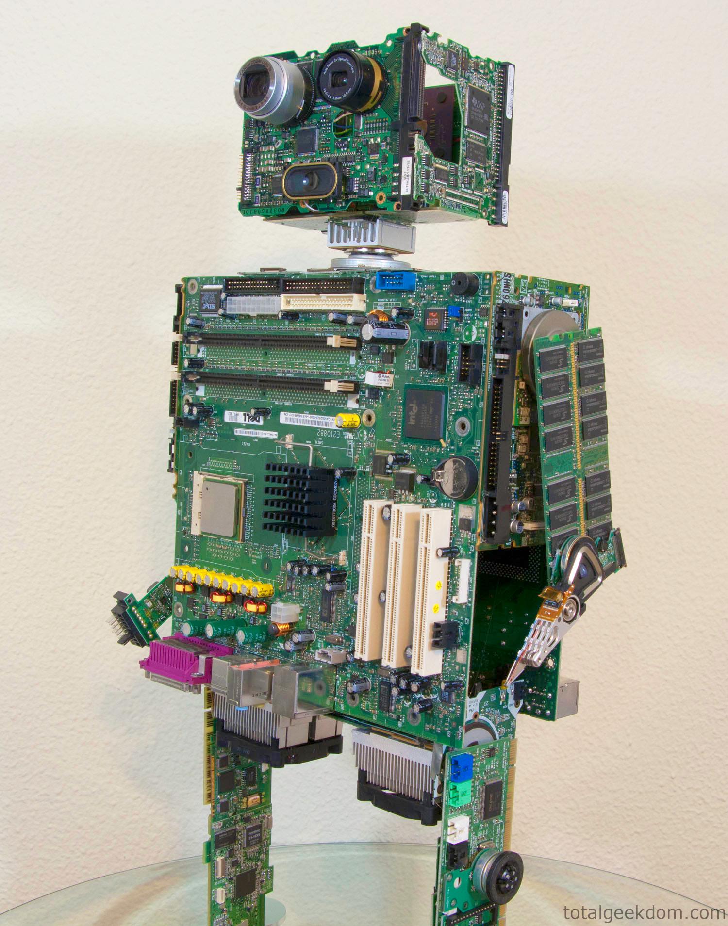 Part Of Art : Computer parts re purpose robot total geekdom