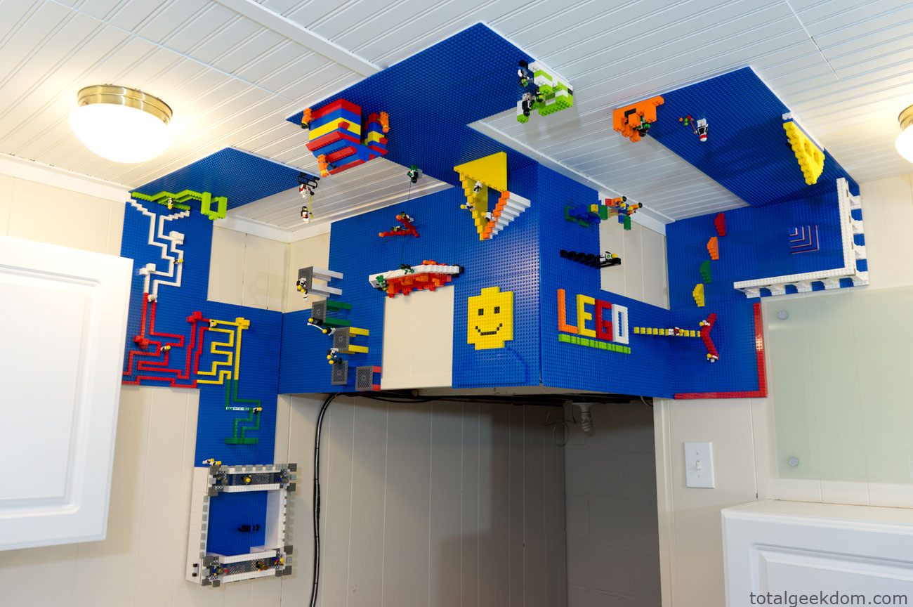 Lego wall and ceiling build area total geekdom for Diy building ideas