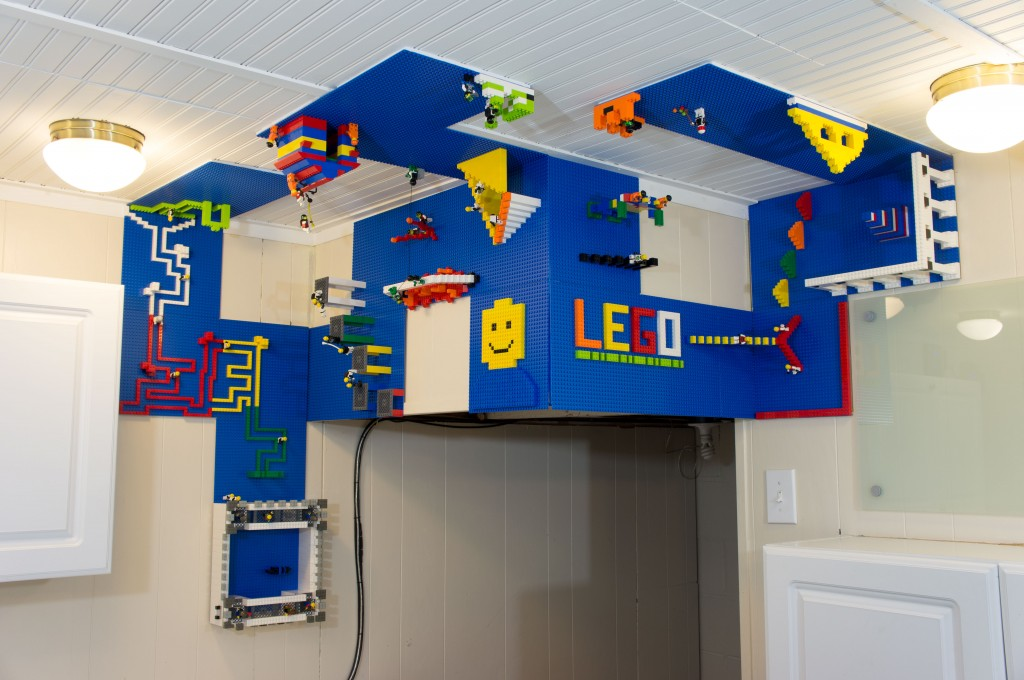 How To Make Wall Design At Home : Lego wall and ceiling build area total geekdom
